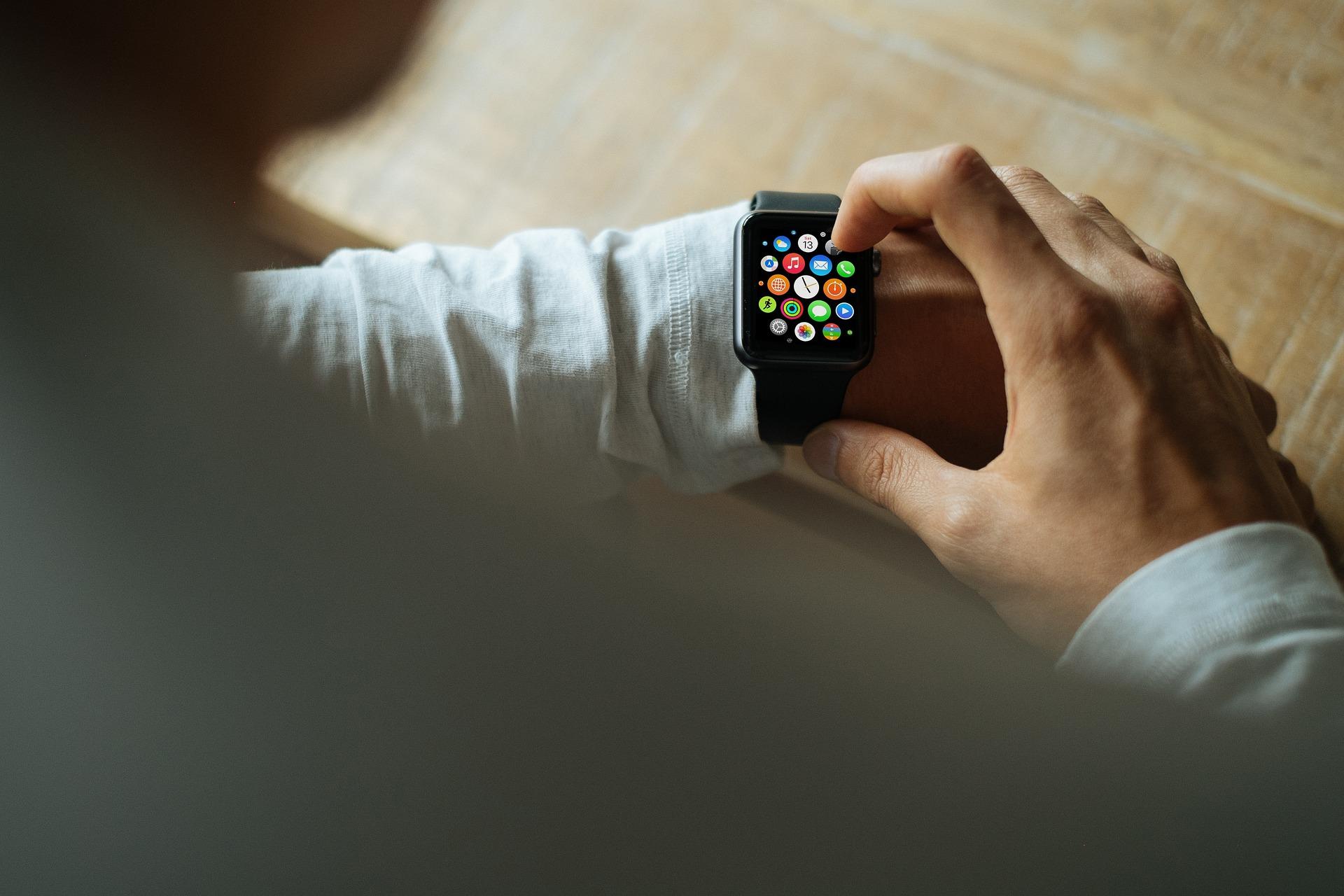 Apple WatchでSiriを利用する方法について